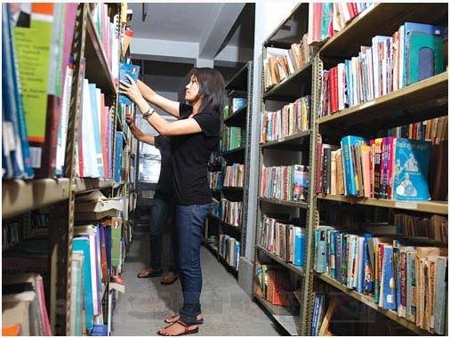 padma_kanya_campus_library_jpg__700x700_q85_subsampling-21.jpg